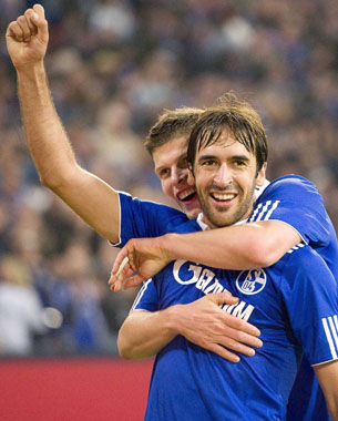 Schalke : tapis rouge pour Raul